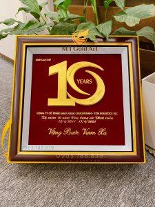 Tranh kỷ niệm 10 năm thành lập doanh nghiệp - Thiết kế riêng bởi MT Gold Art