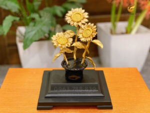 Biểu trưng cây hoa hướng dương - Món quà thay cho những điều tốt đẹp nhất gửi đến thầy cô nhân ngày 20/11
