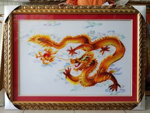 tranh-theu-rong-vang