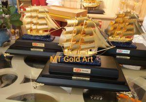 Mô hình thuyền thuận buồm xuôi gió - quà tặng doanh nghiệp độc đáo