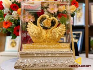 Quà kỷ niệm ngày cưới - Biểu trưng đôi thiên nga dát vàng 24k